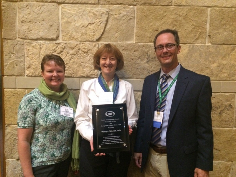 Erin Kraal, citationist; Wendy Bohrson, awardee; Lee Phillips, Chair of the Geosciences Division of CUR